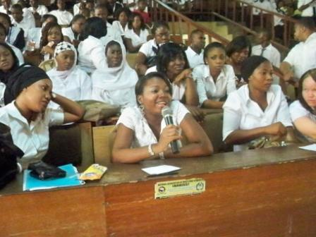 Young woman participating in the discussion during the campus tour at the University of Abuja (from PLA 64). Credit: EVA