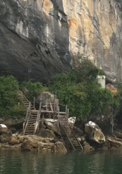 Steps leading up to Tien Ong cave.