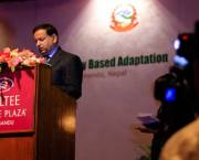 IIED senior fellow Saleemul Huq addresses the CBA8 conference (Photo: Stephanie Andrei)