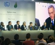 US special climate envoy Todd Stern tells journalists his views on the 'Higher Ambition Coalition'. LDC chair Giza Gaspar-Martins in second left on the panel at the press conference (Photo: Matt Wright/IIED)