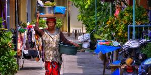 A street vendor sells produce in Surabaya, Indonesia (Photo: Schristia, Creative Commons, via Flickr)