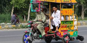 Three-wheeler vehicles known as Quinqis are a popular and cheap method of transport in Karachi, but they cause considerable congestion (Photo: Carol Mitchell, Creative Commons via Flickr)