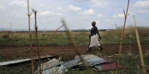 Participatory community mapping and community land protection can yield tangible results for poor and vulnerable populations (Photo: Reuters/Siphiwe Sibeko)