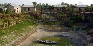 Bangladesh is highly vulnerable to climate change and is at the forefront of adaptation efforts. This homestead has been designed to offer flood protection (Photo: CGIAR, Creative Commons via Flickr)