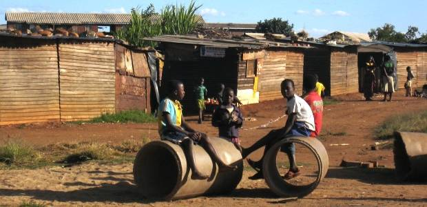 Communities and municipal authorities are working more closely together to improve Zimbabwe's low-income neighbourhoods (Photo: Diana Mitlin/IIED)
