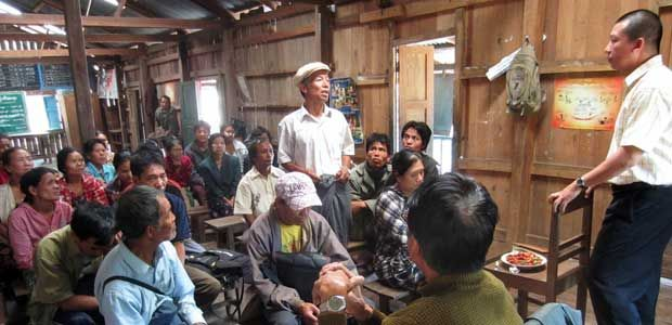 Elephant Foot farmers from Chin State meet to discuss the crop.