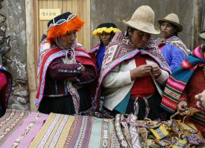 Potato Park, Peru: A women's collective sells traditional crafts at the visitors' centre (Photo: Khanh Tran-Thanh/IIED)