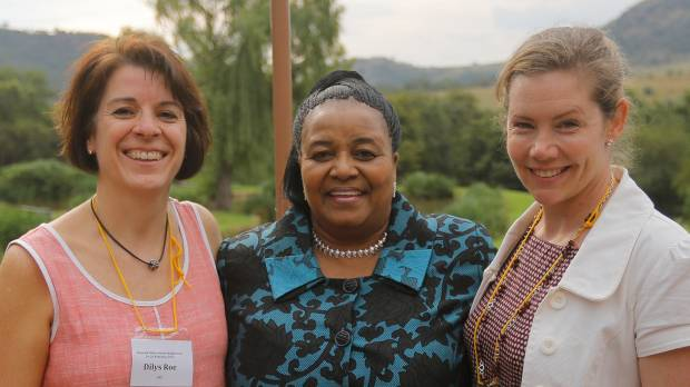 Dr Dilys Roe (IIED) and Dr Rosie Cooney (IUCN SULI) with South African Minister of Water and Environmental Affairs, Bomo Edna Molewa (Photo: Kim Ludbrook/EPA Photos)