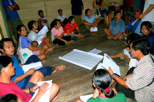 Group discussions at the first biocultural community protocol workshop, Ulu Papar.