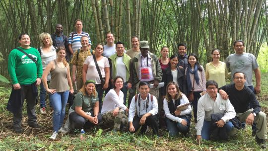 Participants of the 5th International Forest Connect Workshop in Ecuador (Photo: Duncan Macqueen)