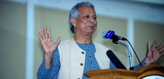 Bangladeshi economist Muhammad Yunus spoke at the Dhaka adaptation conference. Yunus pioneered the concepts of microcredit and microfinance, and in 2006 won the Nobel Peace Prize for creating economic and social development from below (Photo: IISD Reporting Services)