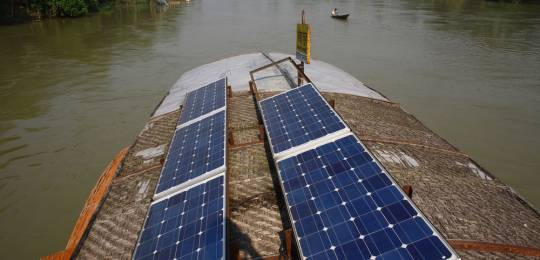 A school on a boat in Natore, Bangladesh, uses solar power (Photo: G.M.B. Akash/PANOS)