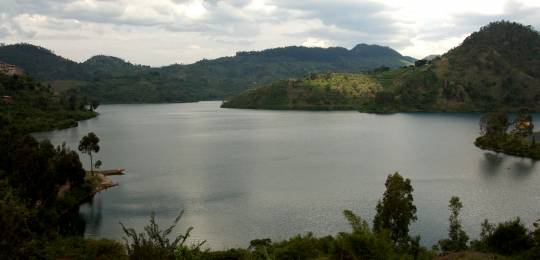 Rwanda is planning to produce land, water and forest accounts to inform policy around managing its rich natural resources.(Photo: Catherine Nomura, Creative Commons via Flickr)