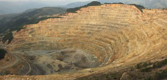 The Roșia Poieni copper mine in Romania, one of the largest copper reserves in Europe (Photo: Cristian Bortes via Creative Commons http://creativecommons.org/licenses/by/2.0/)