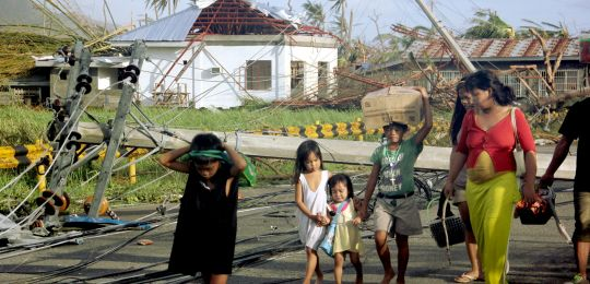 The city of Tacloban after Typhoon Hayian. The city government and aid agencies are supporting a draft bill that aims to improve emergency response for children (Photo: Nove foto da Firenze, Creative Commons via Flickr)