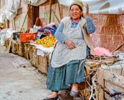 The Sustainable diets for all programme recognises that people – with their capacity to innovate and power to drive change – must be at the centre of efforts to reshape our failing food systems. (Photo: © Mauricio Panozo of Lucano photography. Bolivia, La Paz)