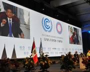 Negotiations went long into the night at COP20 in Lima, Peru, but the road to dignity seems no clearer (Photo: Ministro de Relaciones Exteriores Gonzalo Gutiérrez Reinel, via Creative Commons)