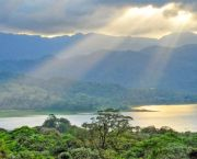 Forest landscape in northern Costa Rica. Natural capital accounting has shown the value of Costa Rica's forests and forest products (Photo: keltikee, Creative Commons via Flickr)