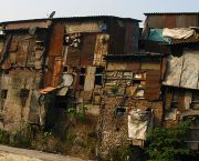 It is estimated that Mumbai has the largest slum population of any city in the world, with more than half of its 12 million people living in informal settlements (Photo: Jon Baldock, Creative Commons via Flickr)
