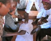 Community mapping in Mtandire informal settlement, Malawi. Federations of the urban poor can help residents to identify and communicate their development priorities.  (Photo: SDI, Creative Commons via Flickr)