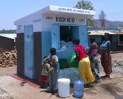 Water kiosks in Zambia provide safe drinking water for poor households in peri urban areas of Chipata. Careful consideration of the affordability of water services for the urban poor is vital to provide universal and equitable access to safe and affordable water for everyone by 2030 (Photo: SuSanA Secretariat, Creative Commons, via Flickr)