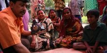 A meeting of community members in Bangladesh. Similar meetings will feed into an international network of government planners sharing strategies on how to mainstream climate change into development planning (Photo: Isabelle Lemaire)