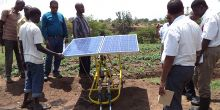 An Ethiopian government delegation learns about energy innovations in a climate smart village in Kenya. Ethiopia's government hopes to combine climate resilience with economic growth (Photo: CGIAR, Creative Commons via Flickr)