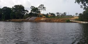 A water connection project built to link the Lobé river to the Kribi harbour, South Region, Cameroon (Photo: Thierry Berger)
