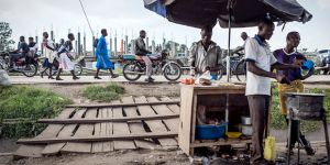 Crowdsourcing evidence – such as from these food vendors in Fort Portal, Uganda – is vital to foster citizens agency. But you must engage and listen (Photo: Sven Torfinn/Panos Pictures)
