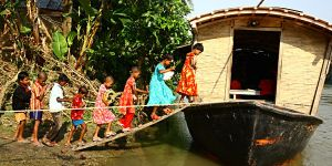Community-based adaptation in Bangladesh. Photo: G.M.B. Akash/PANOS