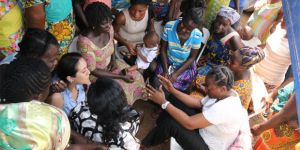 Women play a major role in the ASM sector in Ghana, as they do in all countries where ASM takes place. The dialogue meetings offered the chance to share ideas about improving working conditions and community wellbeing (Photo: Friends of the Nation)