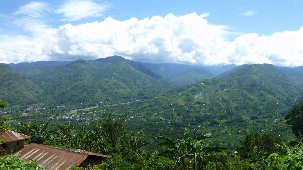 The foothills of Uganda's Rwenzori Mountains (Photo: Els Lecoutere, IOB, University of Antwerp, Creative Commons via Flickr)