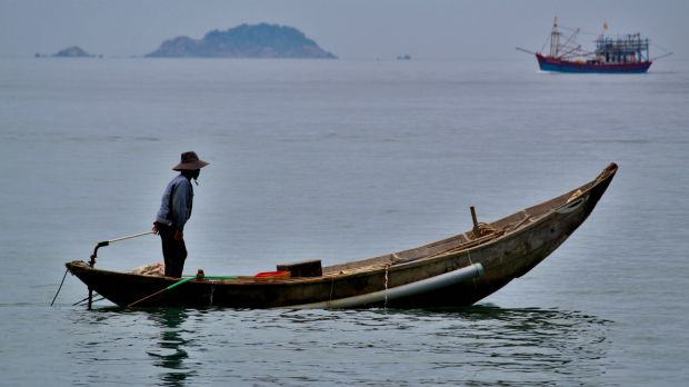 Small-scale fishers in Vietnam depend heavily on coastal resources ((Photo: Hội An, Vietnam by Thijs Degenkamp on Unsplash)