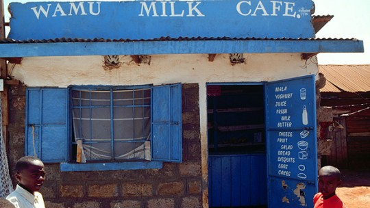 A typical Kenya milk bar. Packaged milk in supermarkets has been found to be no better at meeting food safety standards than raw milk sold from kiosks (Photo: International Livestock Research Institute, Creative Commons, via Flickr)