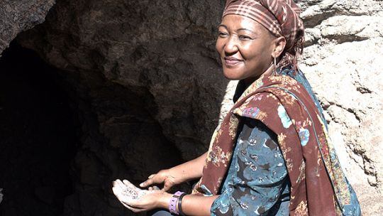 Rehema Peter Mushi, from the Kalalani region in Tanzania, has mined red garnets, sapphires and rubies for two decades. She recently won a US$100,000 grant for this concession from the government, under a programme funded by the World Bank (Photo: Magali Rochat)