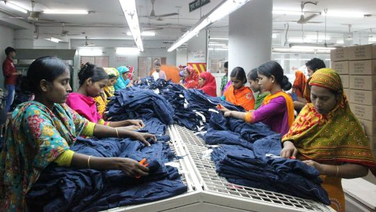 Garment workers in Bangladesh - increasing automation threatens low-cost manufacturing jobs in developing countries (Photo: NYU Stern BHR, Creative Commons via Flickr)